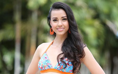"""ผู้เข้าประกวด """"มิสไทยแลนด์เวิลด์ 2015"""" อวดหุ่นสวยในชุดว่ายน้ำ ทูพีช"""