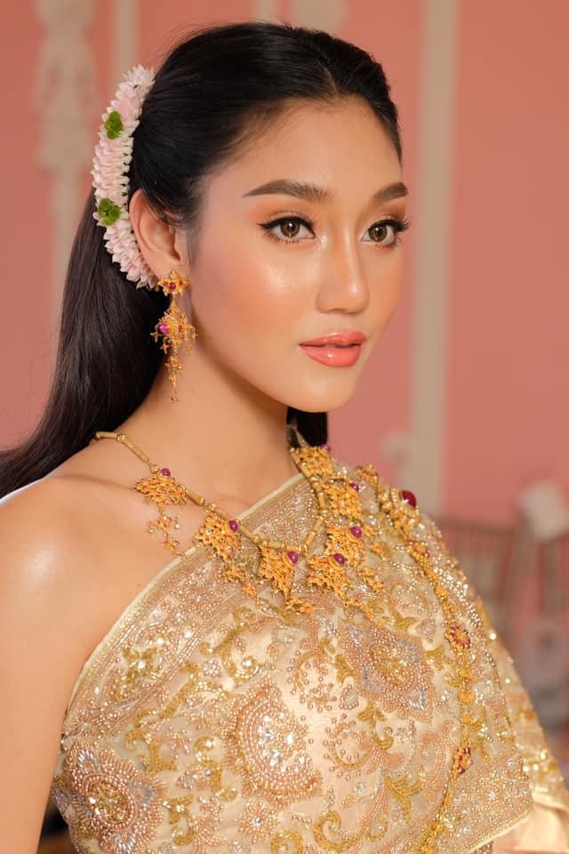 ชวนอึ้ง! นิโคลีน อวดโฉมสุดพิเศษ งดงามตระการตาสวยหวานแบบสาวไทย