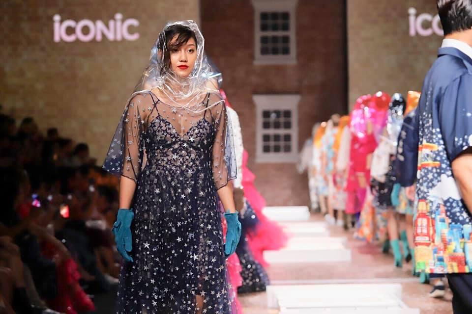 นิโคลีน ร่วมเดินแฟชั่นโชว์แบรนด์ไทย iCONiC งาน Bangkok International Fashion Week (BIFW2019)