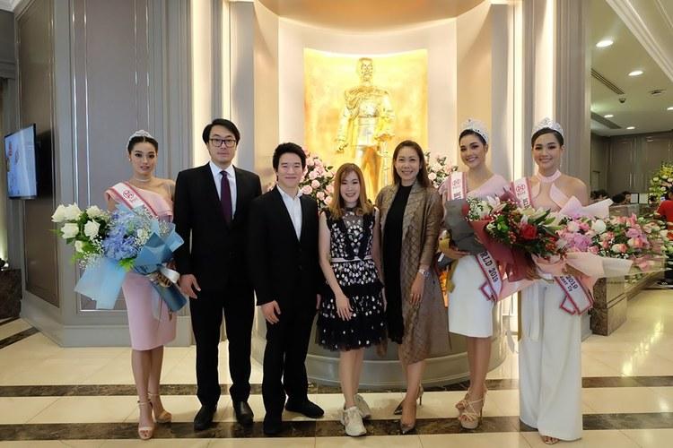 คณะมิสไทยแลนด์เวิลด์ 2019 เข้าขอบคุณโรงแรมเดอะ เบอร์เคลีย์ ประตูน้ำ