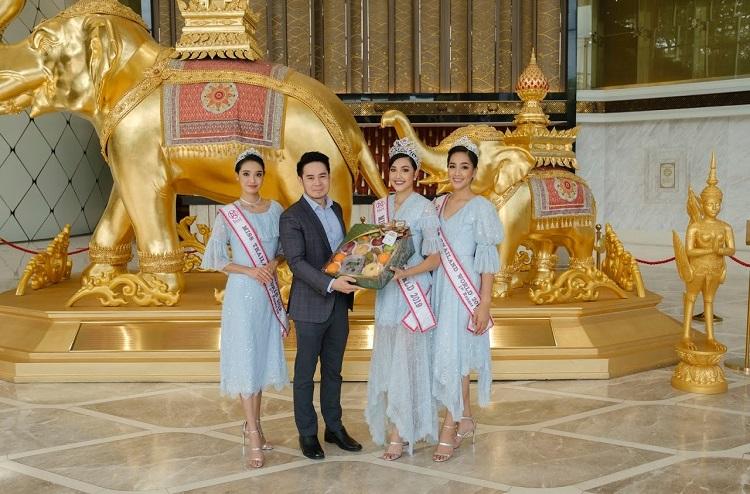 คณะมิสไทยแลนด์เวิลด์ 2019 เข้าขอบคุณสยามเจมส์ เฮอริเทจ มิวเซียม แอนด์ จิวเวอรี่ รีเทลเลอร์