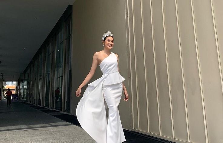 เกรซ Miss Thailand World 2019 เข้าร่วมงานแถลงข่าวพิธีประกาศผลรางวัลโทรทัศน์ทองคำ ครั้งที่ 34