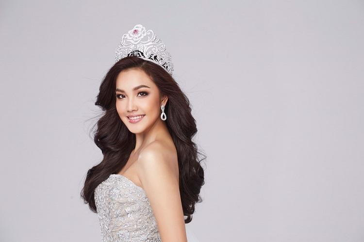 เกรซ Miss Thailand World 2019  ขอทำเพื่อชาติบริจาคหน้ากากอนามัยและแอลกอฮอลล์สู้ Covid-19