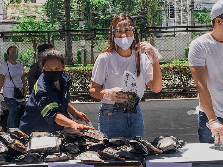"""ช่วยเหลือผู้ได้รับผลกระทบจากโควิท-19 ผ่านโครงการ """"มื้อนี้คนไทยช่วยให้อิ่ม"""""""