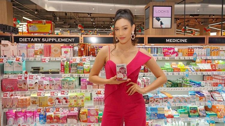 นิโคลีน-พิชาภา ร่วมงาน  Beauty Bazaar 2020  เผยเคล็ดลับสร้างผิวออร่ามงลงแบบ Miss Thailand World