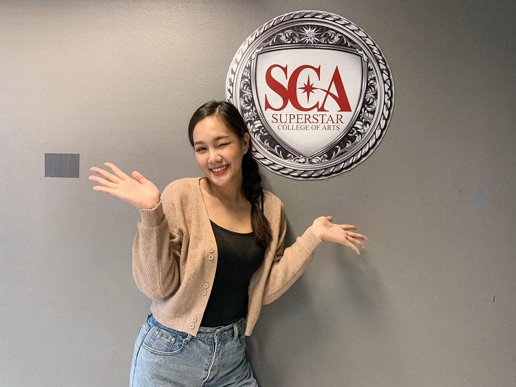แผ่นฟิล์ม รองอันดับ 1 Miss Thailand World 2019 เข้าคอร์สเรียนร้องเพลง คอร์สการเป็นพิธีกร