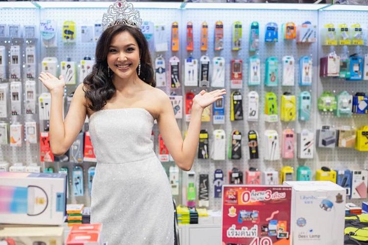 เกรซ Miss Thailand World 2019  ร่วมงาน HNT ในงานฉลองครบรอบ 20 ปีของ B2S